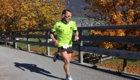 Läufer genießen das herrliche Herbstwetter